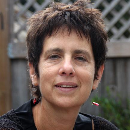 Leslie Salzinger Headshot